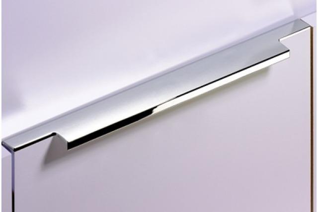 Din metal/aluminiu, plastic sau lemn